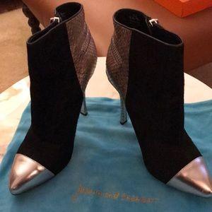 Shoes - Suede bootie